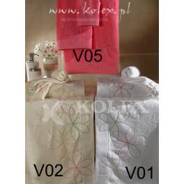 KOMPL.RĘCZ. 8057 18038246 BIG FLOWERS 02 VANILIA 30x50+50x100+70x140